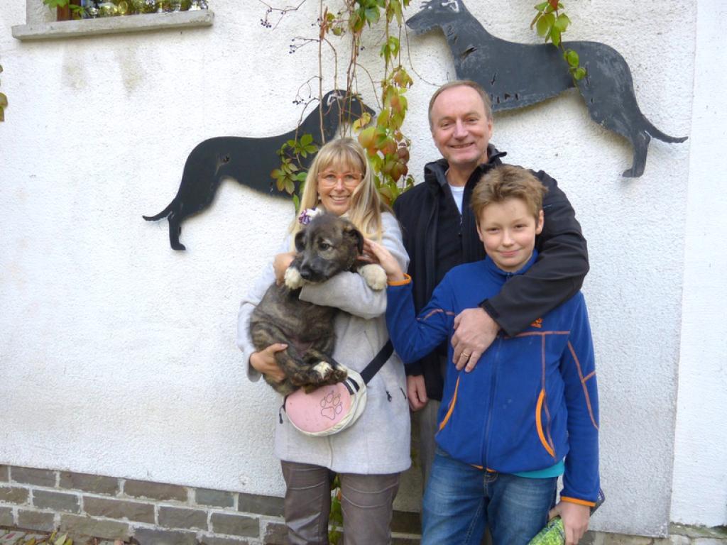Lyonesse und ihre neue Familie